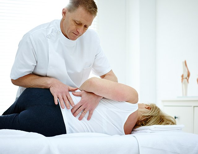 Chiropractic Specialty Center offers clinical physiotherapy.